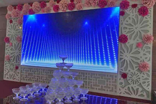 màn hình led nhà hàng tiệc cưới giá tốt