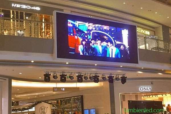 màn hình led siêu thị